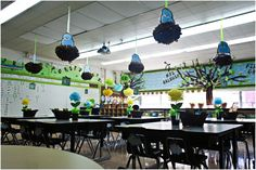 bird themed classroom...OMG I think I'm in love. Blue, green and brown, looks like I just found my new colors for the daycare.