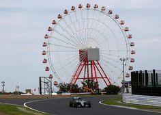 Nico Rosberg con la famosa noria al fondo