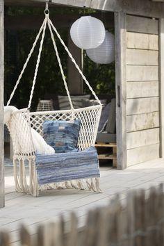 Lekker relaxen in deze heerlijke hangstoel! #STOERbuiten #hangstoel #chillen #buitenleven #outside