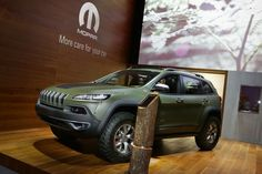 http://thechromenews.com/2015/11/19/jeep-is-campaigning-with-the-cherokee/552/jeep-cherokee-night-eagle2