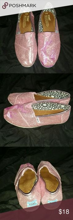 PINK glitter Toms flats sparkle shoes size 8 women Barely been worn only a few times! These Toms are in like new condition - Woman ladies juniors pink slip on style glitter and sparkle Tom's tennis shoe sneakers - pre-owned!  Size 8 - CAN SHIP TODAY - make an offer! Toms Shoes Espadrilles
