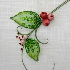 Вышитые ягодки - разных авторов. Красота!