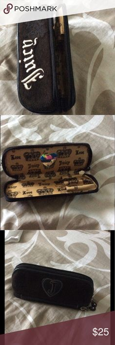 🌺RARE JUICY 2 PART COSMETICS CASE...🌺 VERY RARE  JUICY COUTURE TWO PART ROUNDED ZIPPERED QUITTED COMPARTMENTS  COSMETIC MAKE UP BARREL CASE    BOTTOM IS FOR YOUR PENCIL LIKE ITEMS  EYELINER, LIPLINER, ETC..WITH HEART SHAPE MIRROR Juicy Couture Bags Cosmetic Bags & Cases