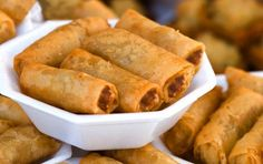 Filipino Spring Rolls - LUMPIA RECIPE! http://www.filipinofoodsrecipes.com/2009/07/lumpia-recipe.html