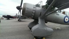 1- Westland Lysander 2- Mosquito 3- Lancaster