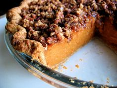 Pappadeaux's Sweet Potato Pecan Pie With Bourbon Sauce