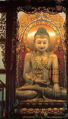 Jade Buddha Temple 2nd precious white Jade siting Buddha from Burma 01