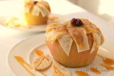 Thanksgiving Turkey Cheese Ball - Crafts a la mode Chrusciki Recipe, Raisin Filled Cookies, Coffee Filter Crafts, Coffee Filters, Turkey Cheese Ball, Chocolate Turkey, Best Gift Baskets, Appetizers For Kids, No Bake Pies