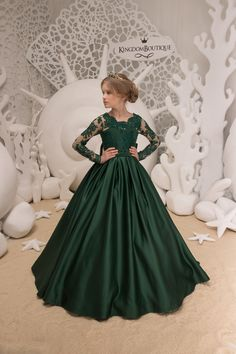 545d22152c03 25 Best emerald green lace mermaid dresses images in 2019 | Formal ...