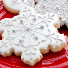 Snowflake Cookies 1 dozen Winter Wedding by PastryTartBakery Christmas Sugar Cookies, Christmas Sweets, Holiday Cookies, Snowflake Cookies, Fancy Cookies, Royal Icing Cookies, Cupcakes, Cupcake Cookies, Holiday Baking