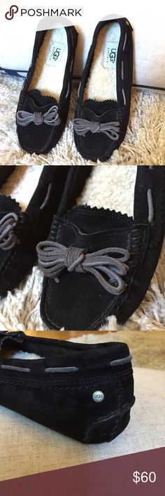 UGG Moccasin With Bow, Size 5 + Black exterior with cream lining  + Cute bow detail  + Lightly worn  + Don't forget to bundle!  ⭐️All items are steamed cleaned and shipped within 48 hours of your purchase. ⭐️If you would like any additional photos or have any questions please let me know. ⭐️Sorry, no trades. But will listen to ALL fair offers. Thanks for shopping! UGG Shoes Mules & Clogs