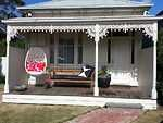 The White House Geelong, 3 night minimum, 2 bedroom, $180pn