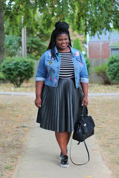 Sneakers outfit plus size skirts Ideas Big Girl Fashion, Curvy Fashion, Modest Fashion, Fashion Outfits, Fashion Clothes, Fashion Ideas, Plus Size Blog, Look Plus Size, Plus Size Fall Outfit