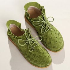 Large Size Women Comfy Suede Braided Scallop Strappy Flat Casual Shoes is cheap and comfortable. There are other cheap women flats and loafers online. Zapatillas Casual, Strappy Flats, Loafers Online, Mocassins, Mode Outfits, Uganda, Womens Flats, Casual Shoes, Dress Casual