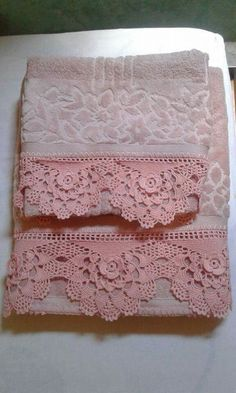 Shades of pink crochet baby dress outfit with crown Crochet Blanket Border, Crochet Lace Edging, Crochet Borders, Crochet Blanket Patterns, Hand Crochet, Crochet Stitches, Knit Crochet, Crochet Baby, Lace Doilies