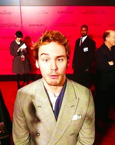Sam Claflin - Finnick O'dair - Catching Fire premiere he is so ATTRACTIVE