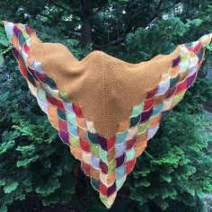 """300 Likes, 4 Comments - Julia Farwell-Clay (@farwellclay) on Instagram: """"This is a favorite version of the Eddy Wrap, colors right up my alley. Autumn Wrap by @madforknit,…"""""""