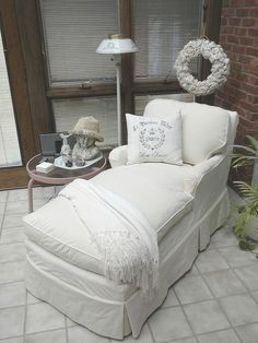 Slipcover Lesson From a Master - Wanting the ability to change with the seasons to a more neutral cover for my auction-bought chaise lounge, I decided to learn… Wicker Furniture, Diy Furniture, Wicker Couch, Wicker Dresser, Wicker Trunk, Wicker Headboard, Wicker Mirror, Wicker Bedroom, Reupholster Furniture