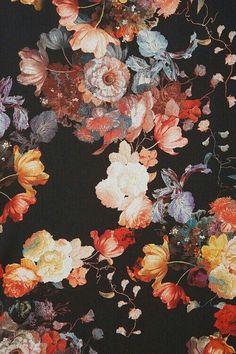 Grandma is back - floral design, large flowers, floral interiors