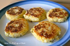 Cheesy Cauliflower Patties--Replacing potatoes with cauliflower is a great way to change things up and I thought I could take a recipe for potato cakes and do the same with cauliflower. It worked out great and everyone loved it.