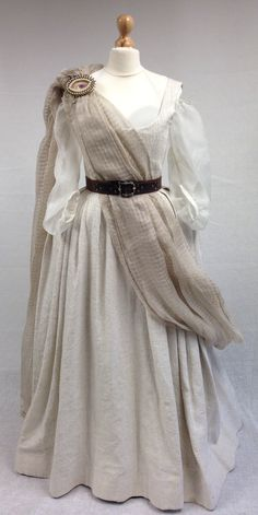 Geillis (Lotte Verbeek) Gathering Dress from Outlander on Starz on Terry Dresbach's blog