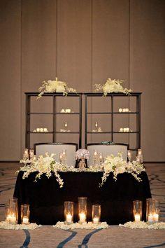 Romantic sweetheart table   Photo by Kristen Weaver