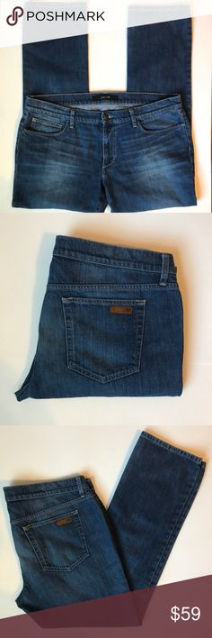 Joe's The Brixton Straight Medium Dark Wash Jean Great modern fit, high quality jean. Excellent pre-owned condition. No wear at hem, perfectly broken in.   Make me an offer! Joe's Jeans Jeans Slim Straight
