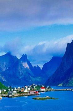 Poonam Gunjiyal via Beautiful Places. Norway
