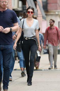 Kendall Jenner en jean taille haute