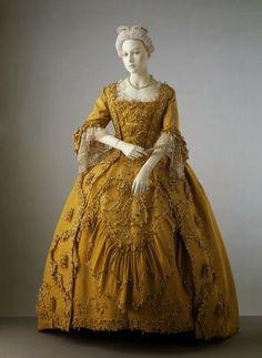 This is Versailles: Look-Book: Louis XV - Ladies