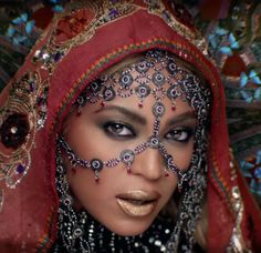 Cultural Appropriation or Cultural Appreciation? 1 Indian Cover Model's reaction to Coldplay's Hymn For The Weekend ft Beyonce - Antoine Speaks The Weekend Music, Hymn For The Weekend, Coldplay Hymn, Coldplay New, Ariana Grande, Divas, Beyonce Coachella, Beyonce Style, Cultural Appropriation