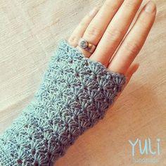 Nina - Free fingerless gloves crochet pattern by Yuli Nilssen. In (fingering yarn), hook. Nina - Free fingerless gloves crochet pattern by Yuli Nilssen. In (fingering yarn), hook. Crochet Wrist Warmers, Crochet Mitts, Fingerless Gloves Crochet Pattern, Fingerless Mitts, Crochet Scarves, Diy Crochet, Crochet Crafts, Crochet Accessories, Crochet Patterns