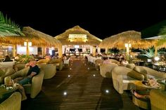 Coco Beach Bar: best pancakes in the day, great cocktails at night, right on the beach