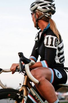 Awesome shot, great kit, great bike, ready to ride...