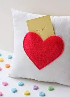 Quality Sewing Tutorials: Secret Pocket Pillow tutorial from See Kate Sew Valentines Bricolage, Valentines Diy, Handmade Valentine Gifts, Valentine Day Love, Handmade Gifts, Pillow Tutorial, Heart Pillow, Diy Couture, Easy Sewing Patterns