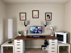 Always evolving the desk setup. I like simple and clean at t.- Always evolving the desk setup. I like simple and clean at the moment! – – Always evolving the desk setup. I like simple and clean at the moment! Simple Computer Desk, Computer Desk Setup, Gaming Room Setup, Pc Desk, Gaming Desk, Setup Desk, Home Office Setup, Home Office Design, Home Office Furniture