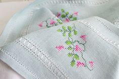 Long embroidered table runner vintage by GrannyHannasCottage