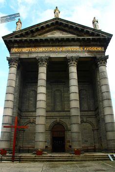 Igreja em Southwest Dublin, Irlanda.