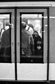 Photos Of Eyes, Love Photos, Tour Eiffel, Love Photography, Street Photography, Paris Metro, Paris Love, Art Pictures, Art Pics