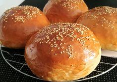 Házi hamburger zsemle és húspogácsa   Lukács Yldyco receptje - Cookpad receptek Croissant Bread, Bread Dough Recipe, Savoury Baking, Sweet And Salty, Cooking Tips, Bakery, Good Food, Food Porn, Food And Drink