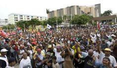 """""""Sur un air de révolte"""" : quand le chant dope les luttes en Guadeloupe ! - Afrik.com : l'actualité de l'Afrique noire et du Maghreb - Le quotidien panafricain"""