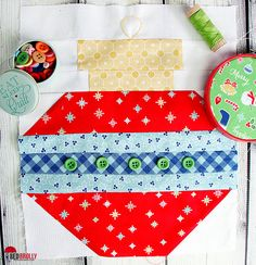 happy-holidays-christmas-quilt-block-red-brolly