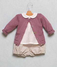 http://www.nicoli.es/tienda/Look-Bebe-29.html..