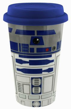 Who better to keep you company when you are on the go than the trusty droid Pay homage to the Star Wars franchise whilst sipping your coffee from this awesome Travel Mug! Perfect for any fan. Star Wars R2d2, Star Wars Droids, Travel Cup, Coffee Travel, Mugs Set, Tea Mugs, Coffee Mugs, Space Battles, Star Wars Merchandise