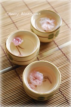 Sakurayu 桜湯 - hot water poured over preserved cherry leaves blossoms