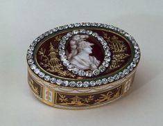 A real stunner...antique diamond snuff box