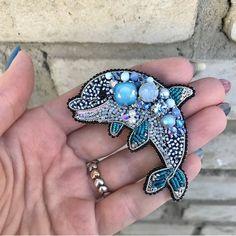 Автор @evbriskina 〰〰〰〰〰〰〰〰〰〰〰〰〰〰 По всем вопросам обращайтесь к авторам изделий!!! #ручнаяработа #брошьизбисера #брошьручнойработы #вышивкабисером #мастер #бисер #handmade_prostor #handmadejewelry #brooch #beads #crystal #embroidery #swarovskicrystals #swarovski #купитьброшь #украшенияручнойработы #handmade #handemroidery #брошь #кольеручнойработы #кольеизбисера #браслеты #браслетручнойработы #сутажныеукрашения #сутаж #шибори #полимернаяглина #украшенияизполимернойглины
