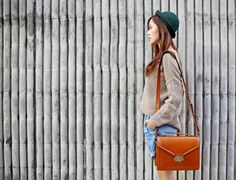 Siena by Johansen Camera Bags. Photography Business, Photography Tips, Camille Co, What In My Bag, Camera Bags, Happy Socks, Androgynous, Siena, My Bags
