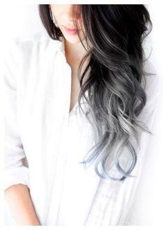 Cabelo cinza: 23 fotos que vão te convencer a pintar os fiosContamos para você quecabelo cinzaé descolado e maravilhoso (não lembra? Clique:A nova mania agora é pintar o cabelo...                                                                                                                                                                                 Mais