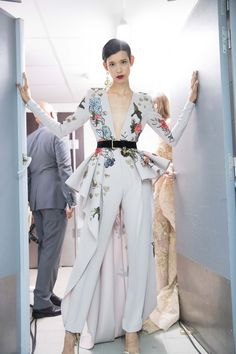 Fashion week backstage haute couture 54 ideas for 2019 Style Haute Couture, Couture Fashion, Runway Fashion, Womens Fashion, Paris Fashion, Fashion Week, High Fashion, Fashion Show, Trendy Fashion
